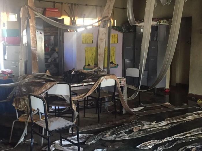 Interior da creche de Janaúba que foi incendiada nesta quinta (5)  (Crédito: Natália Jael/Inter TV Grande Minas)