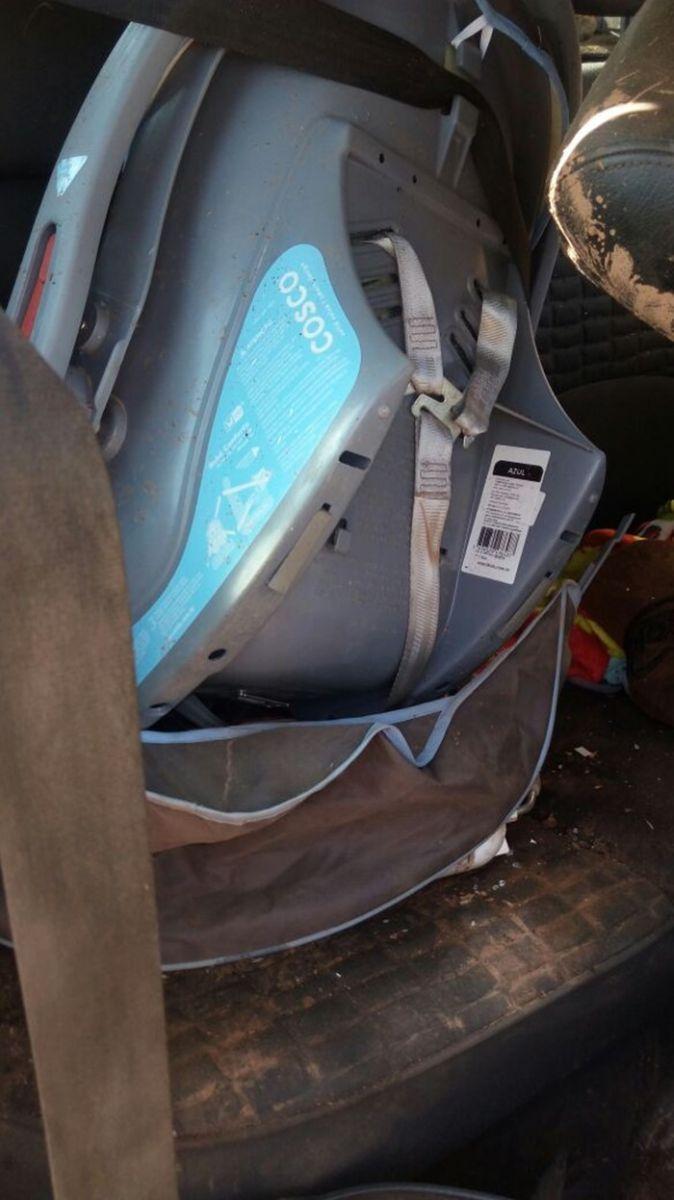 Cadeirinha que transportava o bebê de 7 meses (Crédito: Portal Corrente)