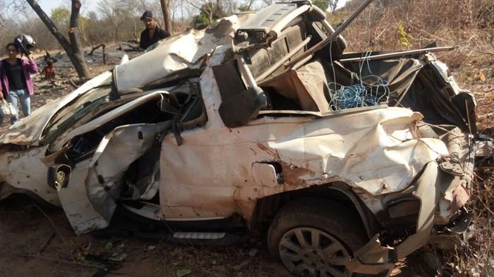 Veículo ficou destruído em acidente (Crédito: Portal Corrente)