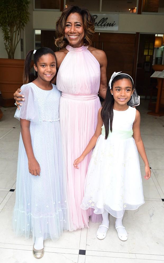 Glória Maria com as filhas (Crédito: Leo Franco / AgNews)