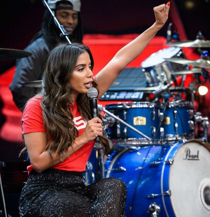 """Anitta no  """"Altas Horas""""  (Crédito: TV Globo)"""