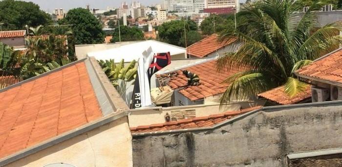 Avião cai em casa e deixa três mortos em São Paulo (Crédito: G1)
