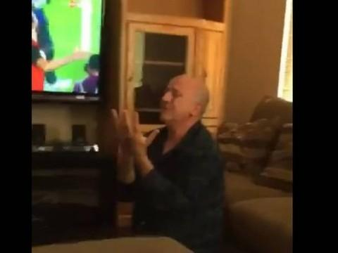 Homem é flagrado emocionado ao ver Egito se classificar para Copa