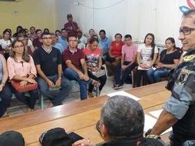 Forças de segurança e prefeitura garantem retorno das aulas