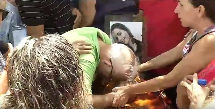 Enterro de Camilla Abreu (Crédito: Reprodução/TV MN)
