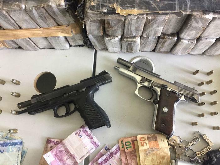 Armas apreendidas com o sargento da Polícia Militar em Teresina (Crédito: Divulgação)