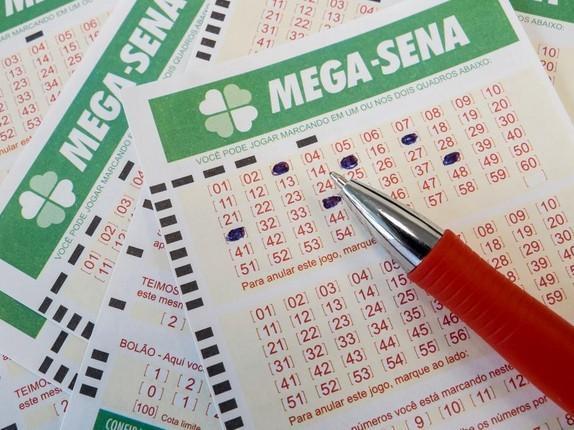 Ninguém acerta e Mega-Sena acumula com prêmio de R$ 24 milhões