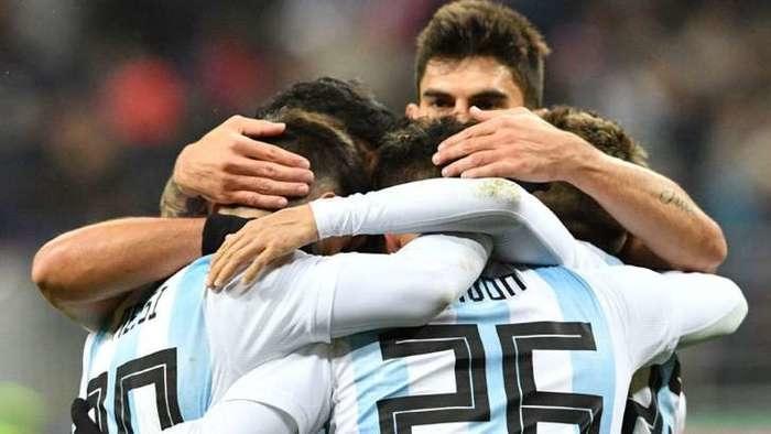 Jogadores comemoram gol (Crédito:  Getty Images)