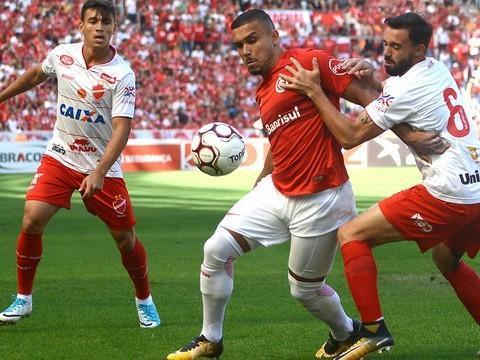 Inter empata com Vila Nova  e adia acesso mais uma vez