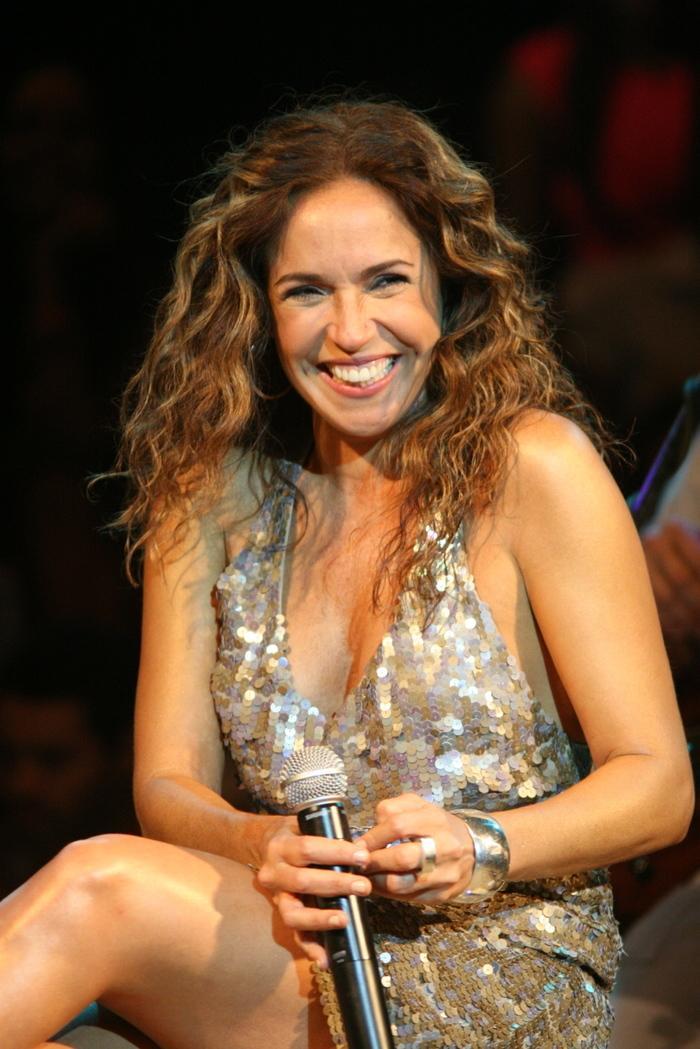 Daniela Mercury cobra mais caro para cantar em Parada Gay