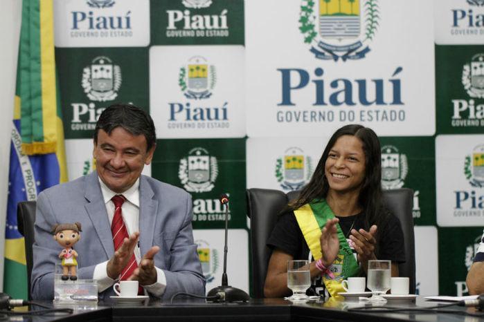 Andréia Eugênio é governadora por um dia (Crédito: João Albert)