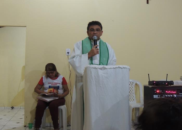 Padre Paulo Sergio  (Crédito: Edinardo Pinto )