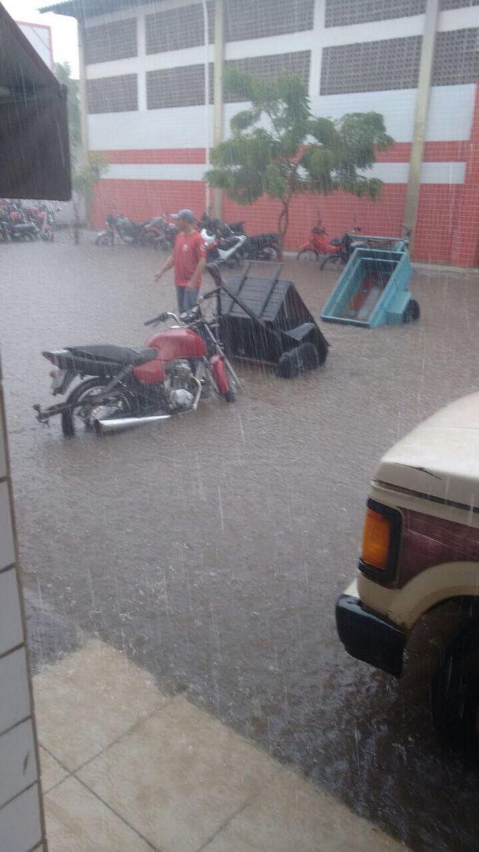 Chuva em São Raimundo Nonato (Crédito: Reprodução)