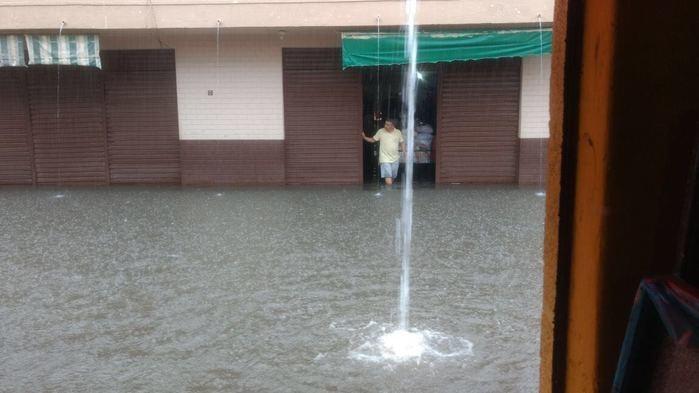 Chuva alaga ruas em São Raimundo Nonato (Crédito: Reprodução)