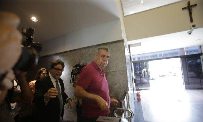 Jorge Picciani se entrega à PF  (Crédito: O Globo )