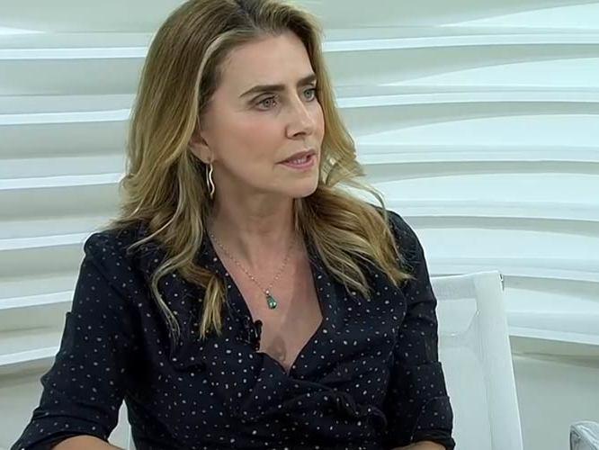 Diretor da Globo foi obcecado por meu namorado, diz Maitê Proença