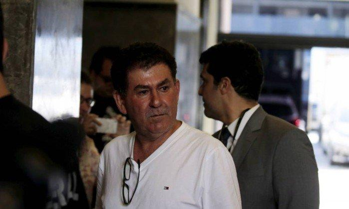 Paulo Melo se entrega à PF (Crédito: O Globo )