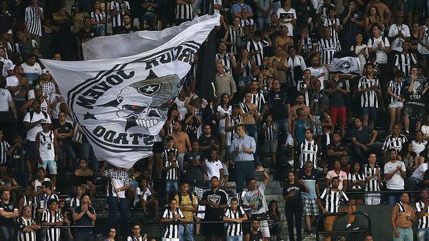 Torcida do Botafogo na derrota para o Atlético-GO no Nilton Santos (Crédito: Botafogo)