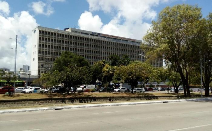 Hospital da Restauração fica no bairro do Derby, na área central do Recife