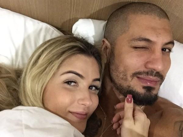 Ex-BBB Aline Gotschalg anuncia separação de Fernando Medeiros