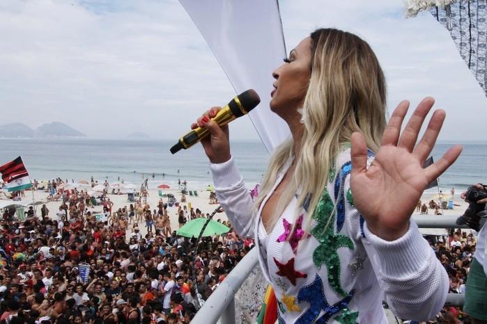 Valesca faz show na Parada Gay do Rio de Janeiro (Crédito: Jose Lucena/Futura Press/Estadão Conteúdo)