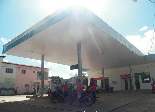 Bandidos tocam terror e fazem arrastão na cidade de Barras (Crédito: Reprodução)