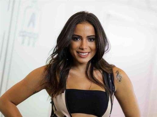 Anitta vai cantar Hino Nacional no GP de Fórmula 1 em Interlagos