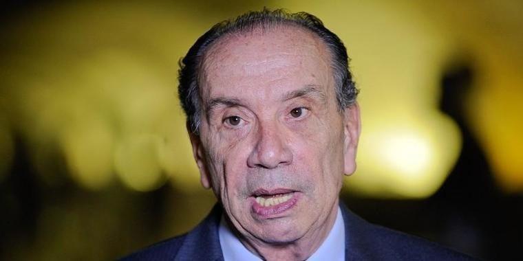 """Dodge diz ser """"fato incontroverso"""" que Aloysio recebeu R$ 500 mil"""