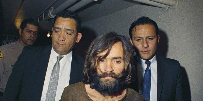 Líder de seita, Charles Manson, morre aos 83 anos nos EUA
