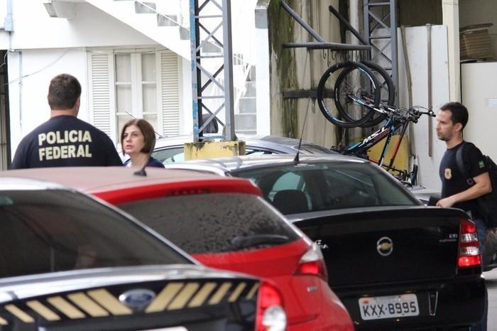 Rosinha Matheus na sede da Polícia Federal em Campos dos Goytacazes  (Crédito: Phelipe Soares/NF Notícias)