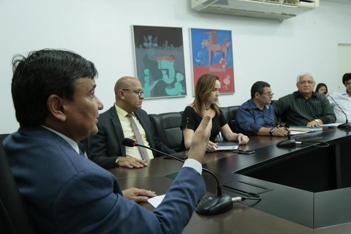 Governador trata de projeto de dessalinização e purificação de água (Crédito: João Albert)
