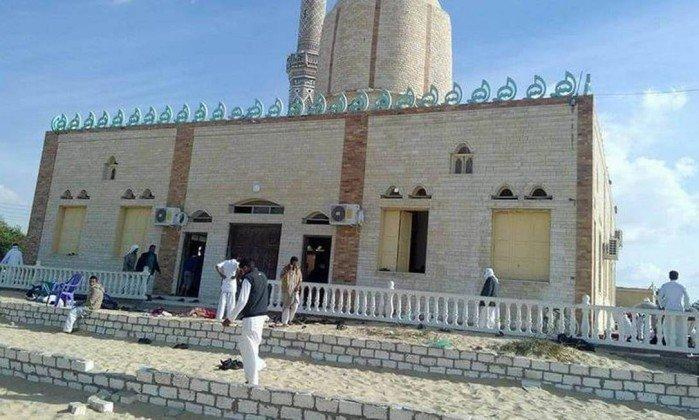 A mesquita de Al Rawdah em Bir al-Abad, oeste da cidade de Arish, capital da província do norte do Sinai   (Crédito: AFP)