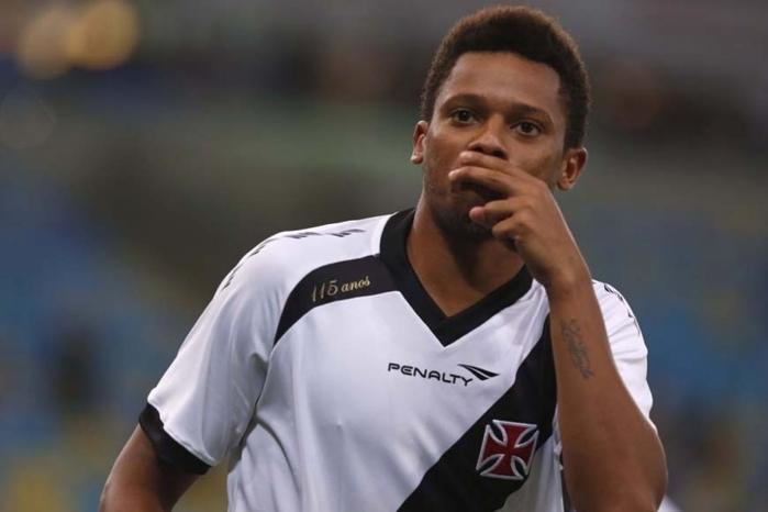Atacante passou pelo Vasco em 2013, cedido pelo Santos  (Crédito: Reprodução)