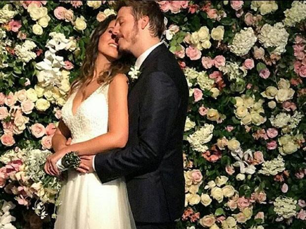 Fábio Porchat e Nataly Mega casam e comemoram com 500 convidados