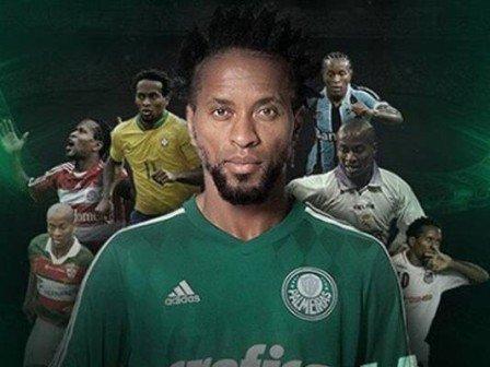 'Termina carreira, mas fica legado', diz Zé Roberto sobre futebol
