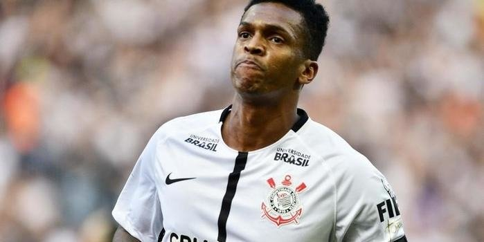 Sequestro de irmã tirou Jô de um jogo do Corinthians em 2017