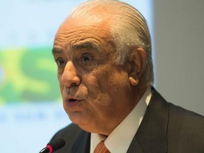 Ex-ministro Antonio Carlos Rodrigues se entrega à Polícia Federal