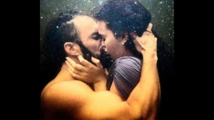 Cena de beijo de Marquezine (Crédito: Reprodução)