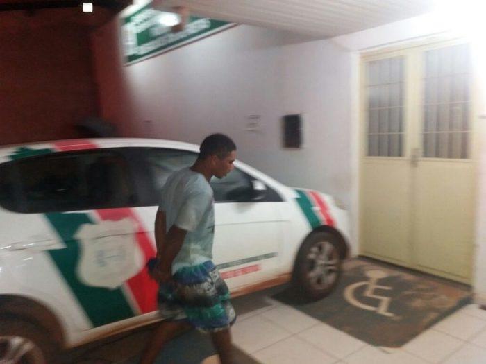 Ex-presidiário é preso após invadir casa e assaltar idosa (Crédito: Polícia Militar)
