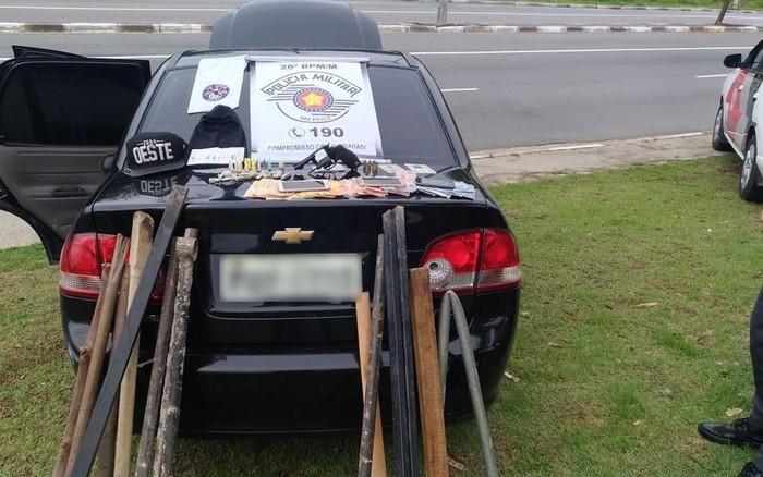 Dois corintianos detidos em flagrante pela PM por suspeita de crimes (Crédito: Reprodução)