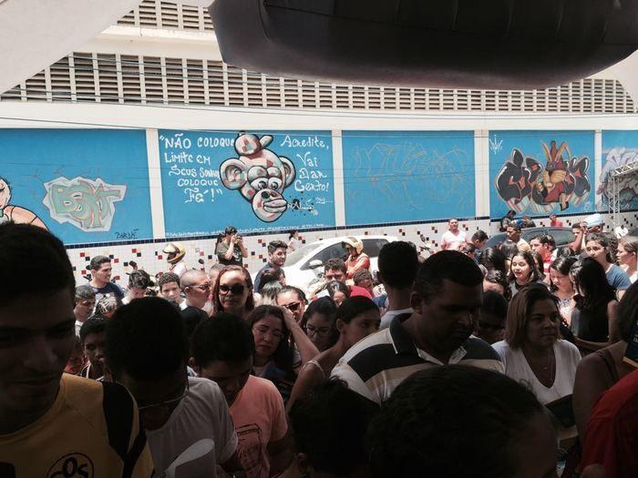 Candidatos chegam ao IFPI para fazer a prova do Enem (Crédito: Efrém Ribeiro)