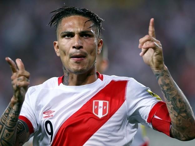 De fora, Guerrero deseja sorte para o Peru em jogo de repescagem