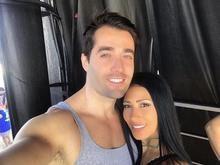 Em foto rara, Simaria parabeniza o marido: 'Amor da minha vida'