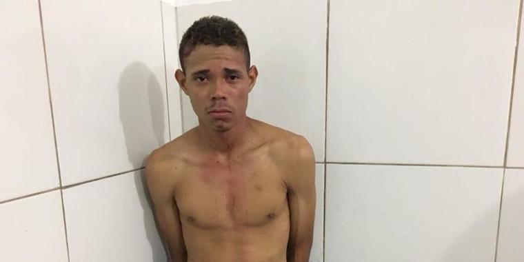 Homem é preso após matar ex-namorada e se esconder em árvore