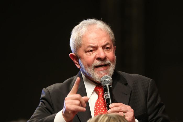 Lula promove uma blitz contra Sergio Moro nos tribunais