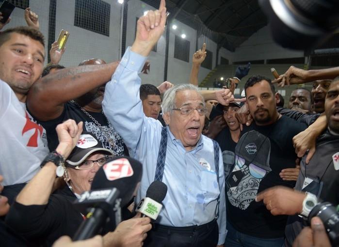 Eurico Miranda comemora vitória nas urnas  (Crédito: André Durão)