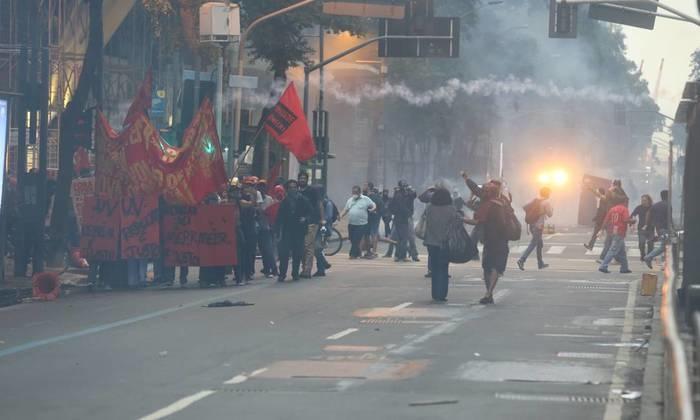 Crise financeira no Rio de Janeiro tem ocasionado uma série de protestos no estado (Crédito: Agência O Globo )