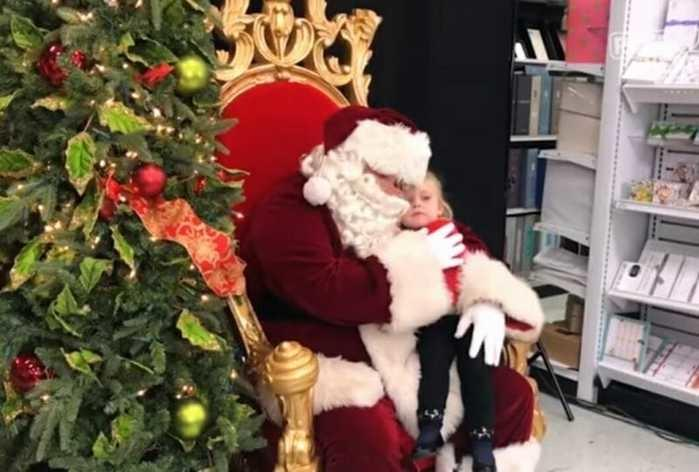 "Garotinha faz pedido inusitado ao Papai Noel: ""Quero uma soneca"""