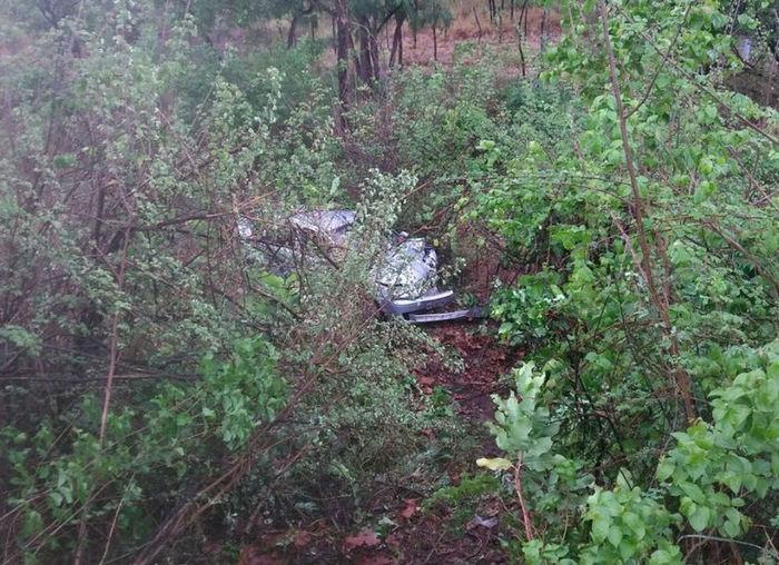 Veículo cai em ribanceira após acidente na BR-316 (Crédito: Reprodução)