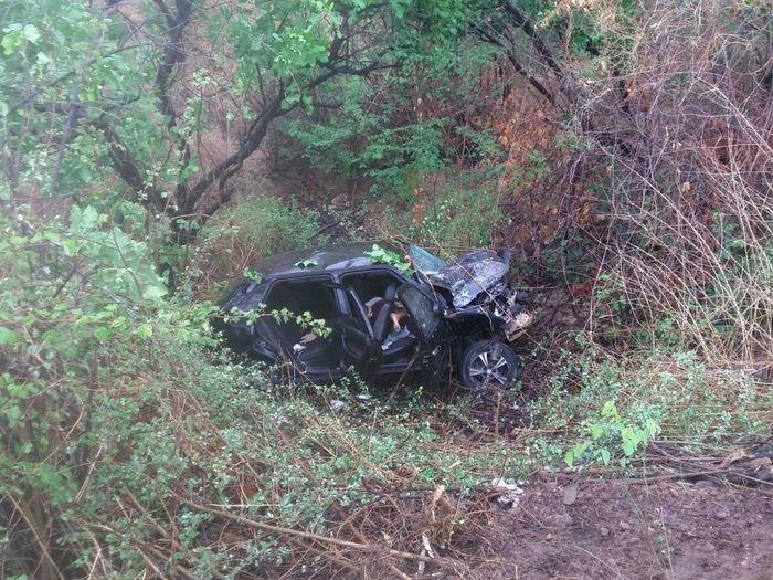 Acidente com caminhão-tanque mata mulher e deixa três feridos na BR-316